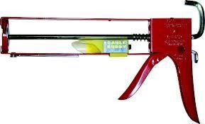 Newborn 111 Professional Caulking Gun